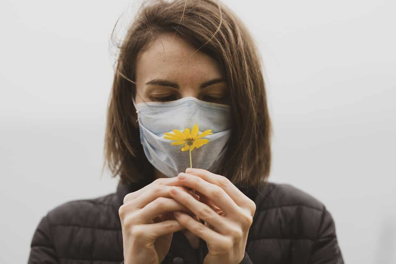Geruchsverlust – Zeichen für eine Infektion mit Corona